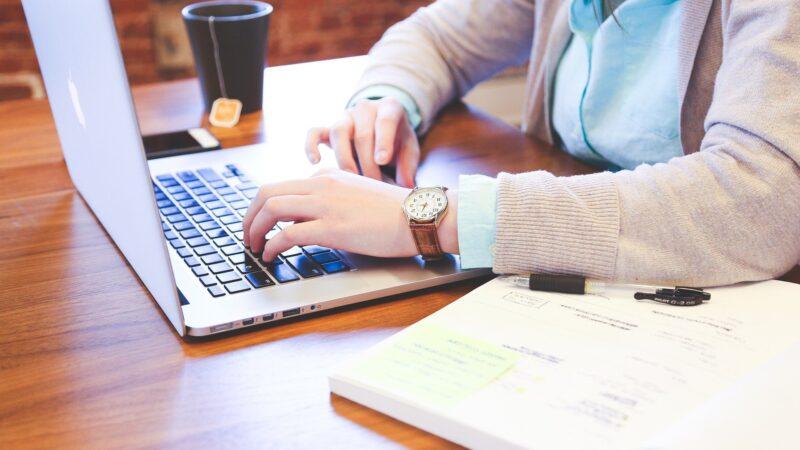 Voordelen van het huren van een laptop