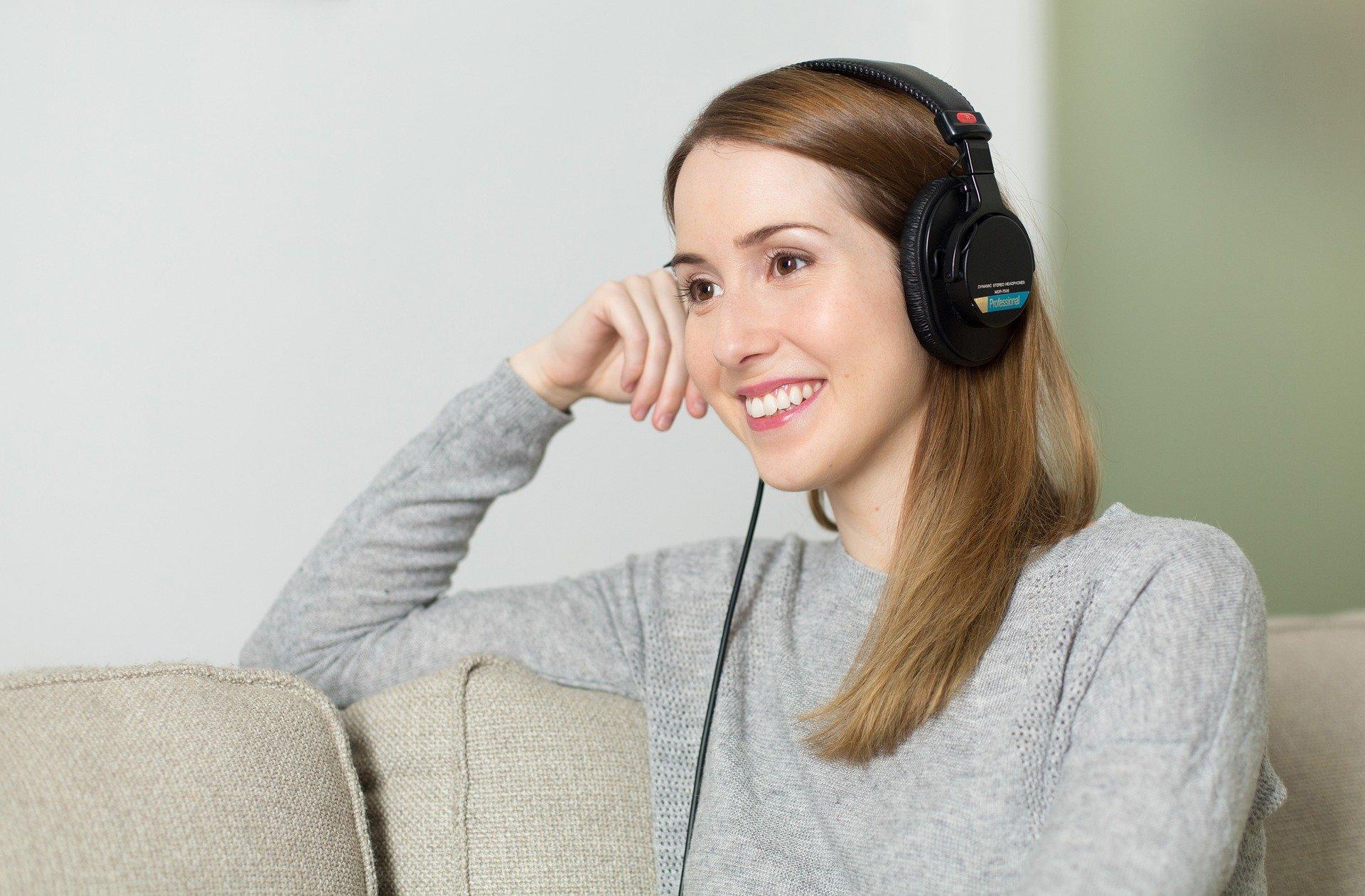 Voordelen van online radio luisteren tijdens je werk